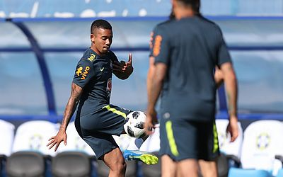 Seleção Brasileira trabalha movimentações ofensivas e defensivas
