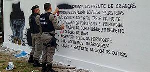"""Facção pinta """"código de ética"""" em muros em João Pessoa"""