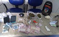 Maconha, cocaína e crack foram encontrados com os suspeitos