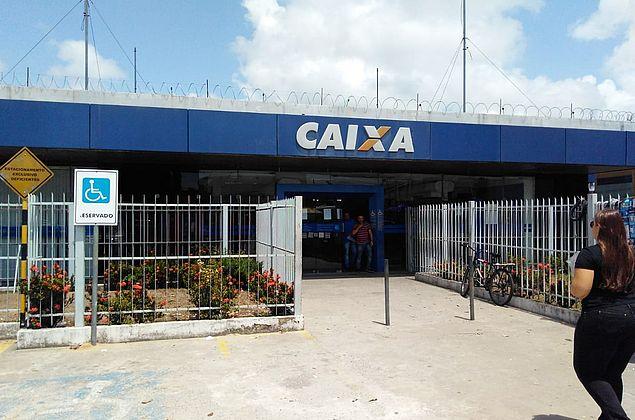 Procon Maceió fecha agência da Caixa Econômica na Gruta de Lourdes
