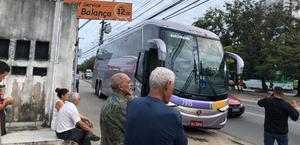Bandidos armados invadem ônibus e fazem arrastão no interior de Alagoas