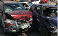Colisão entre veículos causa congestionamento na Josepha de Mello