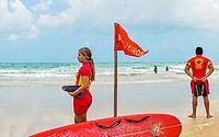 Bombeiros resgatam dois garotos afogados no mar de Jatiúca