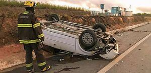 Capotamento de carro deixa feridos no município de Ibateguara