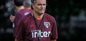 Torcida do São Paulo pede demissão de Aguirre e retorno de Rogério Ceni