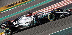 Com Hamilton em primeiro, Mercedes domina início de testes da F-1