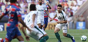 Palmeiras vence o Fortaleza e se mantém na cola do Flamengo
