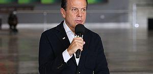 Governo de São Paulo endurece quarentena e adia volta às aulas