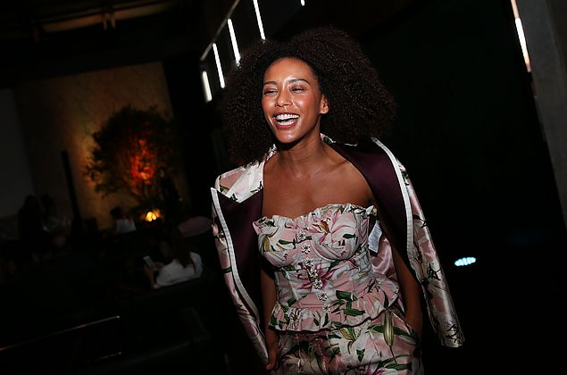 Taís Araujo diz que tinha vergonha de se assumir como inspiração para as meninas negras