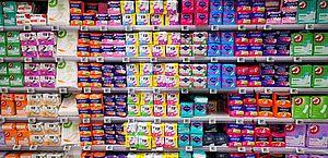 Mulheres de famílias inscritas no CadÚnico  poderão ter absorventes gratuitos