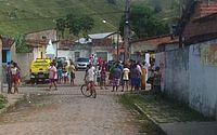 Homem é decapitado e assassinos deixam cabeça em rua no Centro de Cajueiro