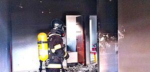 Bombeiros são acionados para combater fogo em condomínio de luxo, em Arapiraca