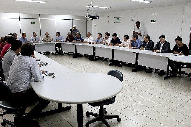 Produtores, gestores e representantes de diversas instituições participaram da reunião