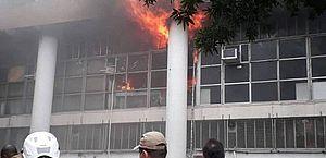 Incêndio atinge prédio da reitoria da UFRJ