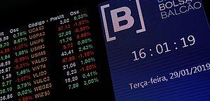 Bolsa cai abaixo dos 100 mil pontos e dólar bate os R$ 4,51