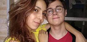 Namorada de Rafael Miguel faz tatuagem em homenagem ao ator