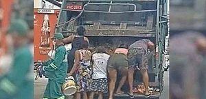 Chocante: vídeo mostra pessoas procurando comida em caminhão de lixo em Fortaleza