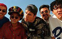 Morte dos 'Mamonas Assassinas' completa 25 anos; confira trajetória de sucesso da banda