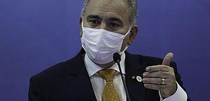 Ministro da Saúde é diagnosticado com Covid-19 e permanecerá em quarentena em Nova York