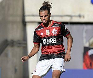 Perto de decisão, Flamengo constata fratura em Arão e avalia evolução do caso