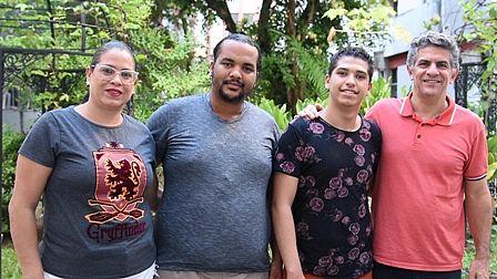 Rosilene, Amaral, Jadilson e José Luís comemoram a aprovação