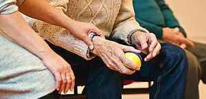 Live sobre cuidados com idosos na pandemia será realizada nesta segunda-feira (28)