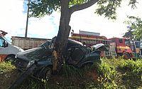 Carro colide em árvore e deixa um morto e seis feridos em acidente na AL 101 Sul