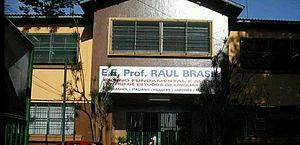 Dois alunos de escola em Suzano permanecem internados em São Paulo