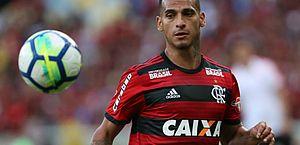 Flamengo bate Atlético-MG por 2 a 1 e alivia pressão sobre Barbieri