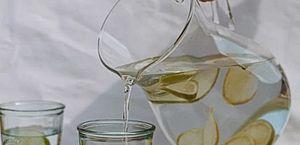 Mito ou verdade: beber água realmente ajuda a emagrecer?