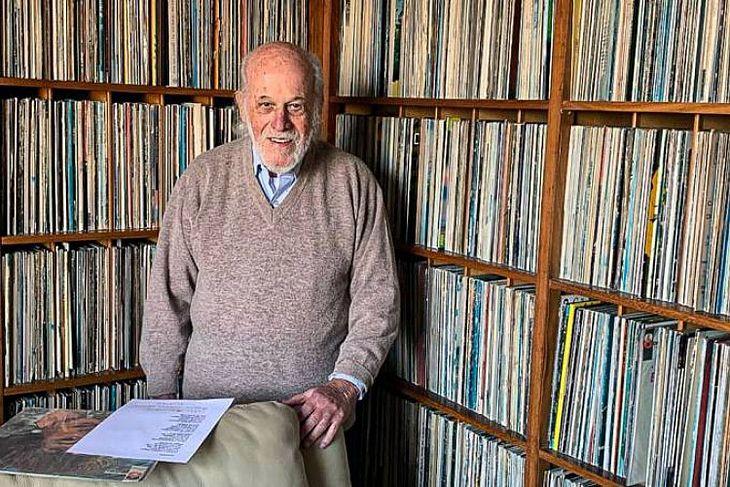 Pesquisador da música brasileira, Zuza Homem de Mello morre aos 87 anos -  TNH1