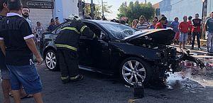 Veículo Lancer vinha na contramão e atingiu uma moto e um carro na avenida Gomes de Matos.