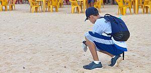 Coletivo Praia Limpa: voluntários fazem mutirão de limpeza em Guaxuma