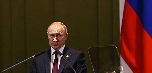 Prisão de jornalista gera protestos e temor de repressão na Rússia