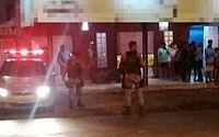 Roubo a lanchonete termina com proprietário e assaltante feridos no Tabuleiro