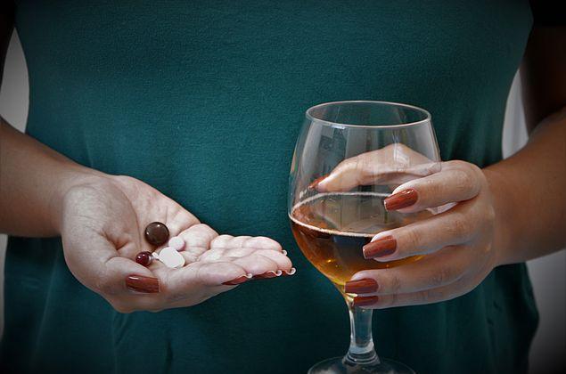 HGE alerta que a mistura de álcool e medicações é nociva à saúde