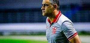 Lesionados e suspenso: Chamusca tem desfalques para o jogo com o Coritiba