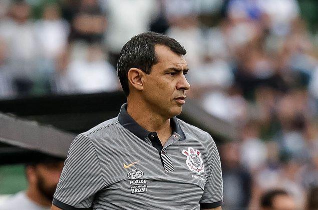 Corinthians confirma acerto com Carille e espera anunciá-lo até sábado