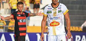 Celsinho fala sobre pausa no Paulistão e espera retorno em breve da competição