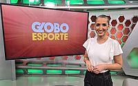 Jornalista abandona peruca para apresentar programa após vencer o câncer de mama