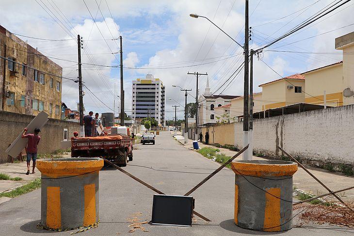 Evacuação do bairro deve seguir a direção da Avenida Fernandes Lima