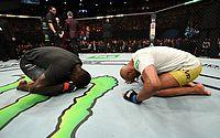 Anderson Silva volta após 2 anos, perde e se afasta de cinturão do UFC