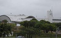 Parte do teto do Aeroporto de Fortaleza é arrancado após forte ventania