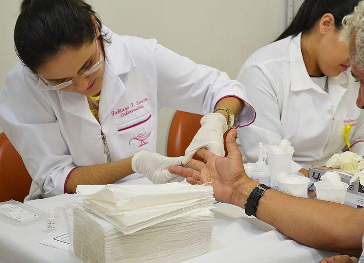Testes devem ser feitos de forma rotineira para evitar tratamentos mais complexos em casos positivos
