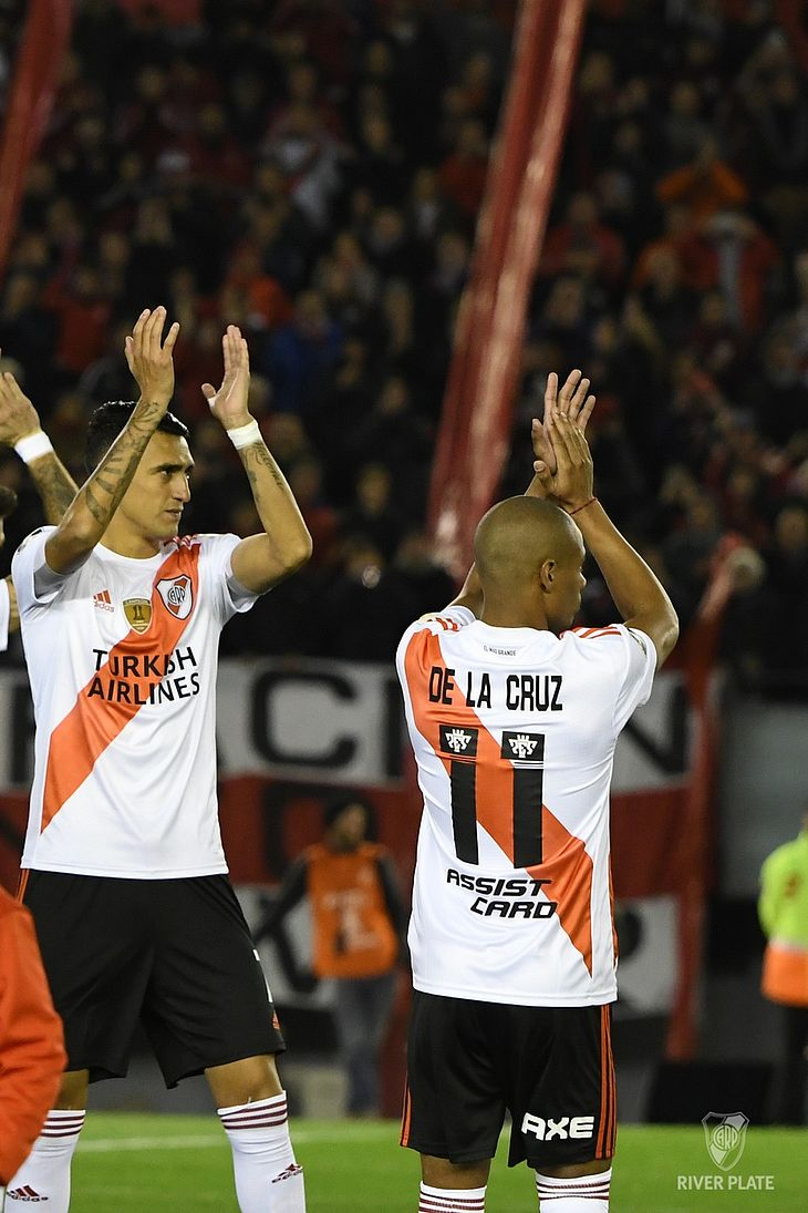 De La Cruz em ação contra o Cerro Porteño pela Libertadores