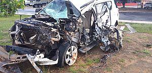Acidente deixou motorista de trailblaizer ferido