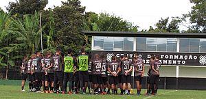 Greve no Figueirense continua e jogadores expõem dívidas do clube