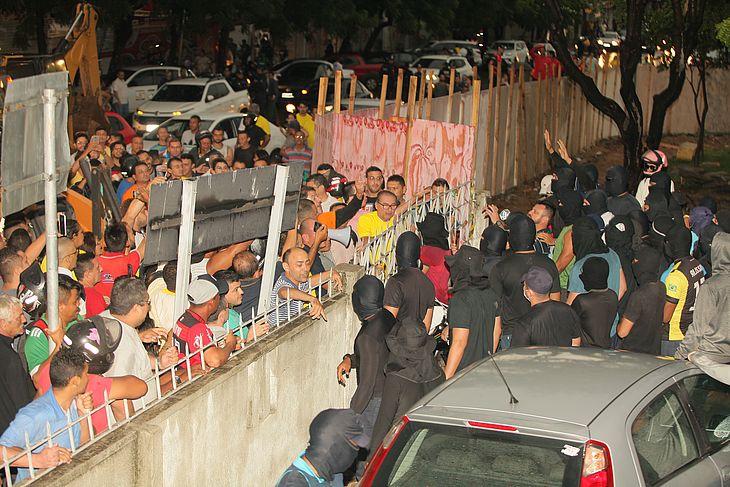Protesto de Policiais Militares na cidade de Sobral, no interior do Ceará, onde o senador licenciado Cid Gomes (PDT) foi baleado na tarde desta quarta-feira (19)