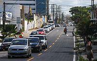 Rua Íris Alagoense, no Farol, foi recapeada e recebeu pintura