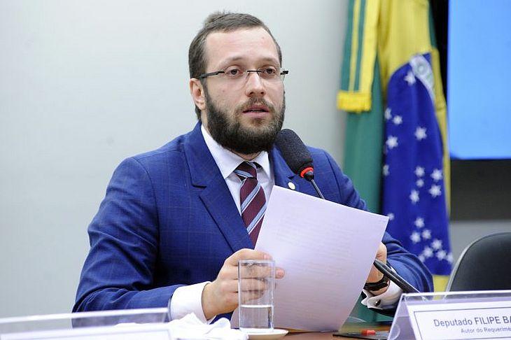 Filipe Barros: permissão tem base nos baixos salários, na carga horária e na capacidade dos policiais